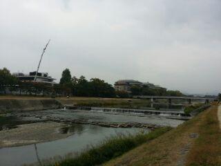 鴨川から見た京都地方法法務局