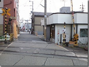 帰化で富田林支局に行く/富田林西口駅前踏切